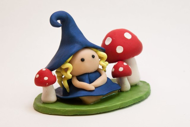 BlondeFairy-Blue-Mushrooms-01